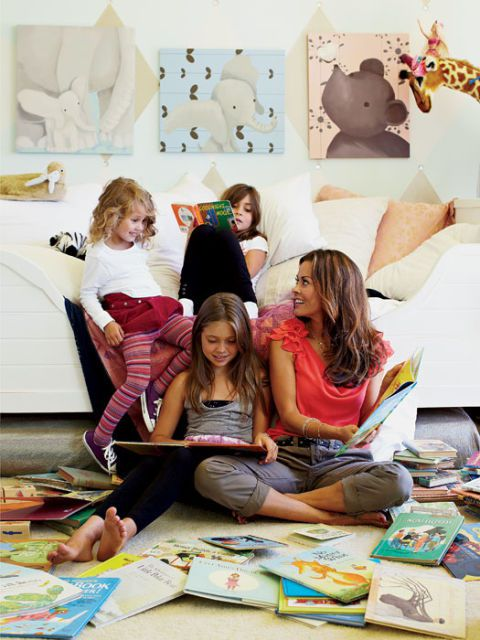 Brooke burke reading with her children
