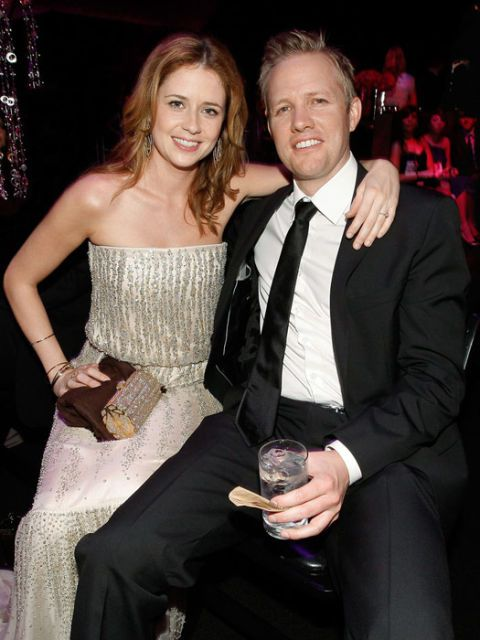 Jenna fischer with husband lee kirk at the golden globes